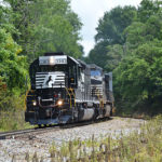 NS SD40-2 #3381 leads train 981 westbound at Linden, Virginia