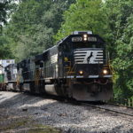 SD70 #2513 Leading NS Train 211 through Linden, VA on 9/1/2016