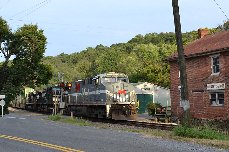 NS 8025 (Monongahela heritage unit) leads train 214 east through Delaplane, Va on 9/2/2016