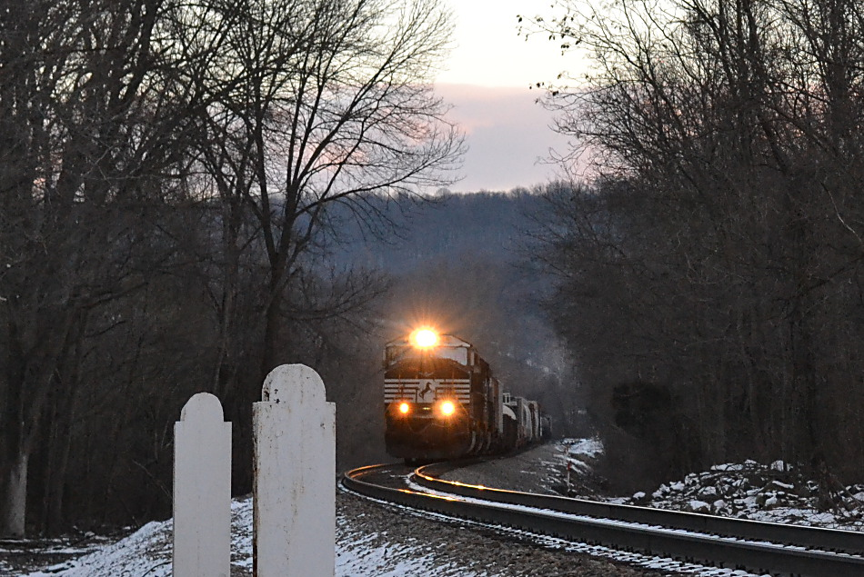 NS SD70M-2 #2641 leads train 12R west near Linden, Va on 1/30/2017.