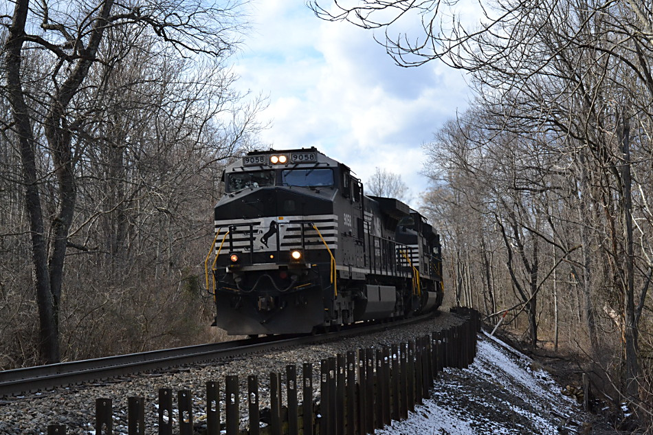 NS NS D9-44CW #9058 leads train east near Linden, Va on 1/31/2017