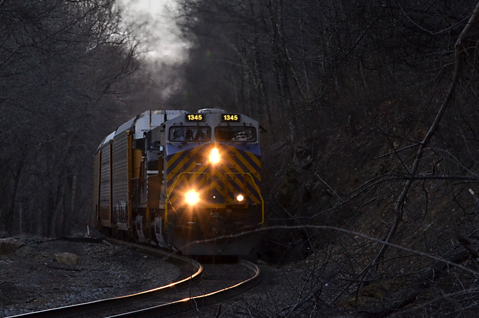NS 290 is led by CREX ES-44AC #1345 up Linden Hill on 2/4/2017