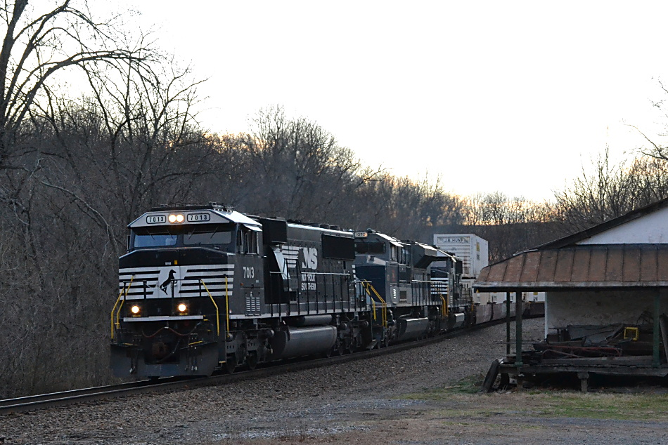 NS 203 is led bySD60E #7013 , SD70ACe NS #1070 (Wabash Heritage unit) and SD60E #6952 as it winds its way through Rectortown, Va on 3/2/2017