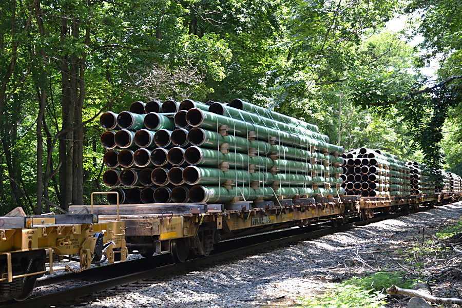 Pipe loads on NS train 12R in Linden, Va on 6/28/2017