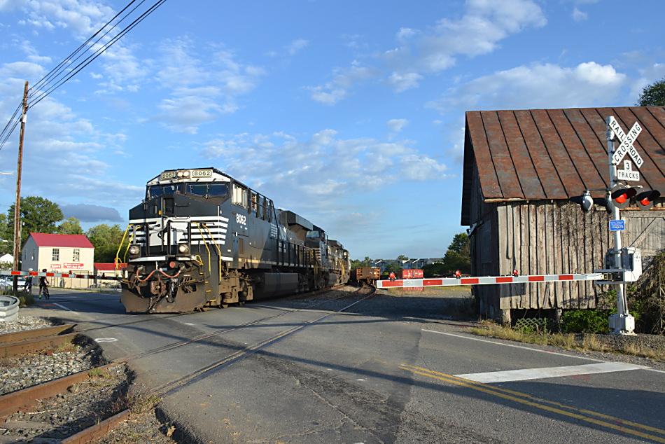 NS train 12R is led by ES-44AC #8062 west through Marshall, Va on 9/12/2017.