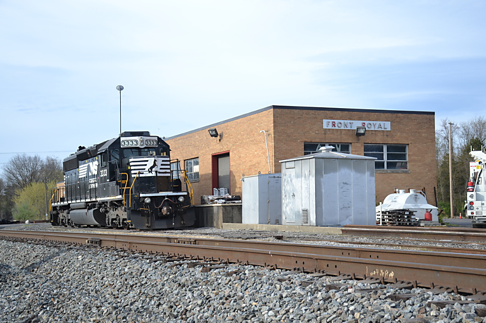 Norfolk Southern SD40-2 in Front Royal, Virginia on 4/22/2018.