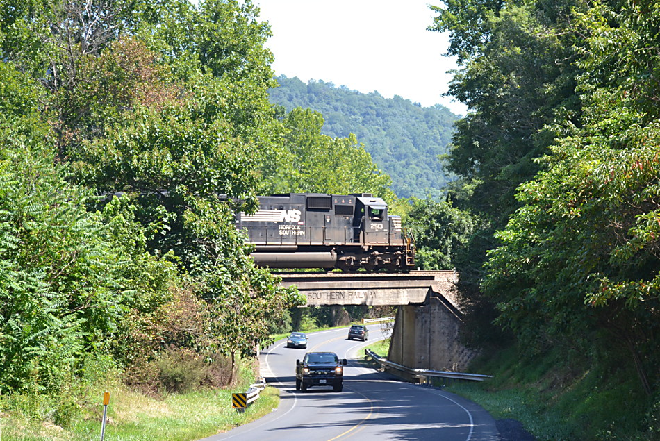 NS train 211 is led by SD70 #2513 as it passes east near Linden, Virginia on 8/24/2018.