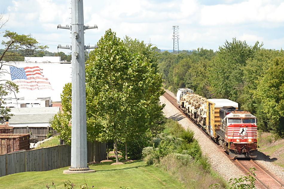 NS train 054 led by NS SD60E #911 heads east through Wellington, VA on 8/31/2018.