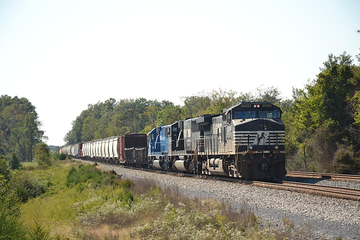 NS D9-44CW #9398 leads train 12R north near Cedarville, Virginia on 10/06/2018.