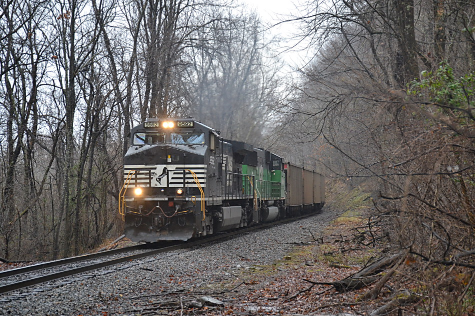 Norfolk Southern train 777 climbing Linden Hill on 12/16/2018.