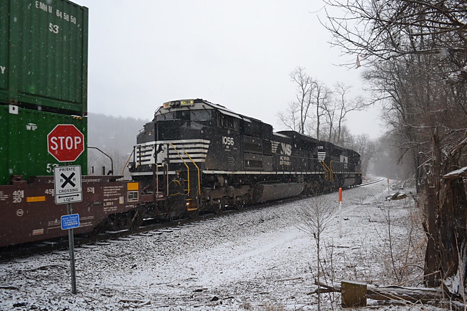 NS 203 climbs the hill in Linden, Virginia in the snow on 1/12/2019.