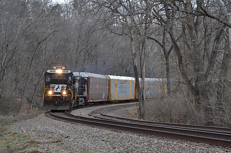 NS D9-40C #8848 led train 290 through Delaplane, VA on 3/3/2017.
