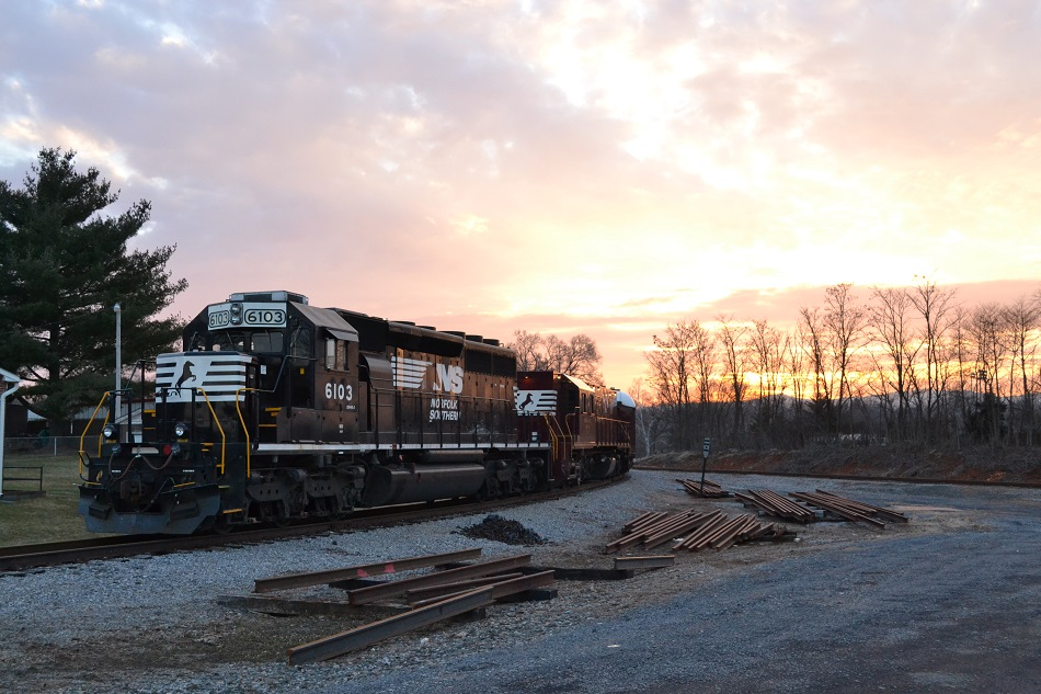 NS geometry train on 2/11/2015 at the Front Royal wye