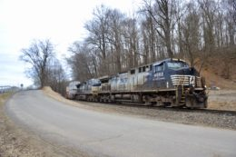 NS 227 is led by AC44C6M #4002 (special horse's mane paint scheme) at Belle Meade, VA on 1/24/21.