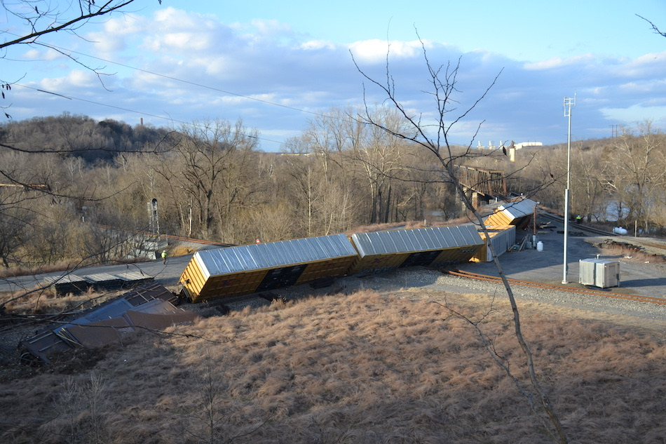 NS train M6T derailed at Riverton Junction, Virginia on 3/4/2021.