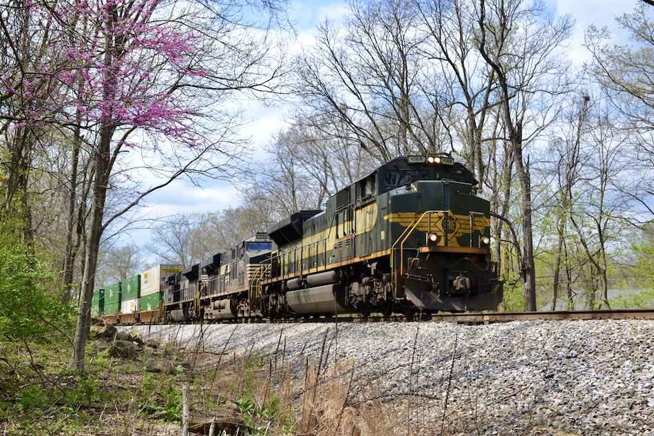 NS train 211 is led by SD70ACe #1068 (Erie Heritage) through Linden, Virginia on 4/15/2021.