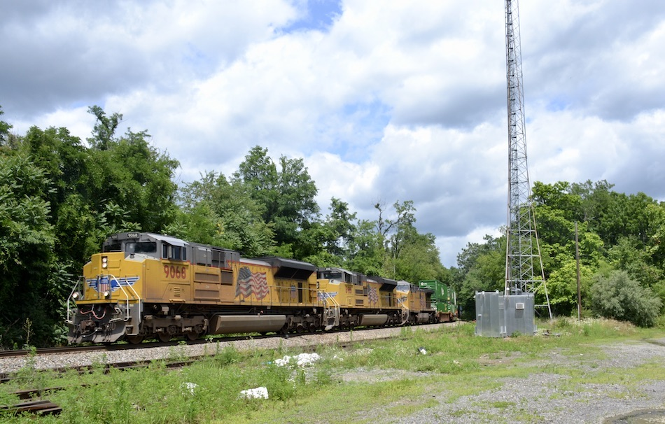 A trio of Union Pacific locomotives led NS train 214 west through Linden, VA on 7/3/2021.